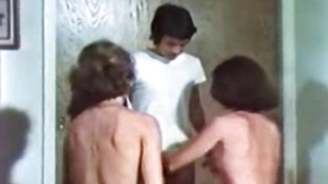 Dixie (1976)